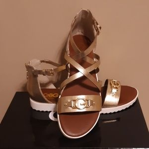 CLEARANCE NWT GUESS SANDALS SZ: 8